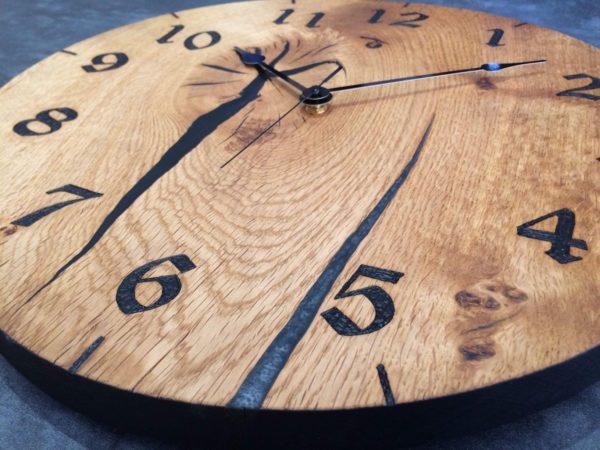 IMG_3080 black and metalic clock v3